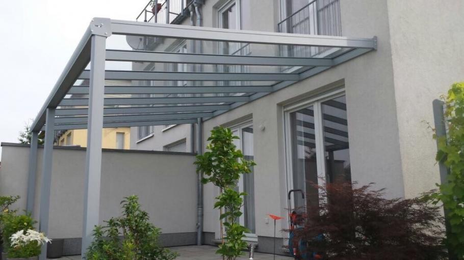 Alu-Terrassenüberdachung von Länger Draussen in Berlin