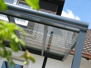 Terrassendach aus pulverbeschichtetem Aluminium